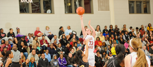 2014 guard Alexa Middleton showed why she is being recruited by schools nationwide in the Red Division championship game. *Photo by Ty Freeman