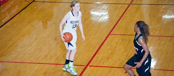 Jenna Burdette of Coolville, Ohio has the ball skill to play on or off of the ball making her an ELITE 60 prospect. *Photo by Ty Freeman