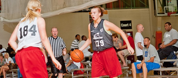 ELITE 100 prospect Sydney Brackemyre of Harveysburg, Ohio will take her diverse skill set to Louisville. *Photo by Ty Freeman