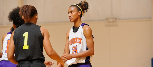 Paris Kea was the center of attention for defenses at Real Deal In The ATL. *Photo by Ty Freeman