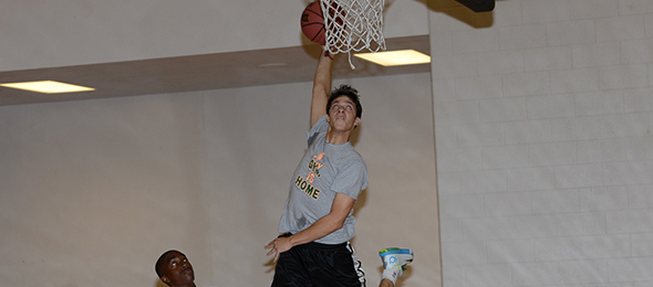Class of 2016 Xzavier Barmore of Seneca, S.C., blends a rare ability to pass and finish at the rim. Read about his from the EBA Top 40 Workout.