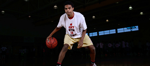 Class of 2017 guard Trae Higginbotham from Brookwood High School proved to be one of the most dynamic scorers at the EBA Top 40 Camp. Read about him and watch his games on the @SUVtv here. Photo cred - Ty Freeman