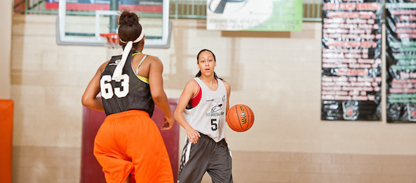 Class of 2016 guard Alyssa Clay of Indianapolis, Ind., came over 500 miles and earned an #EBASuper64 bid at the #PSBMayDay.  Ty Freeman / @TyPhotoG
