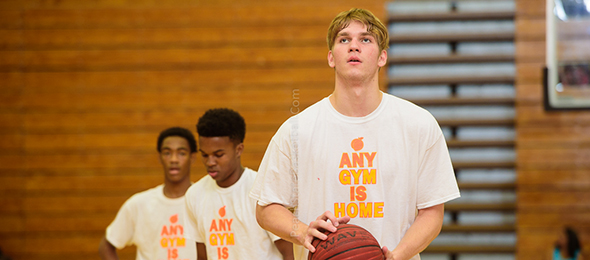 Class of 2016 forward Brent Duncan of Atlanta, Ga., wows the crowd consistently high flying acts. Get the full rundown on his game on his #BCSReport Player Card. Photo cred - Ty Freeman