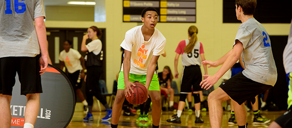 Class of 2019 point guard Brent Kelly of Gainesville, Ga., is off to a fast start this year. His #BCSReport Player Card is here. Photo cred - Jon Lopez/#EBAAllAmerican