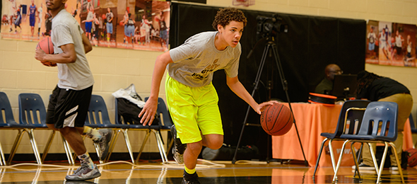 Class of 2017 Lance Ford of New Port Richey, Fla., is a prospect to track. Photo cred - Ty Freeman/#EBATop40